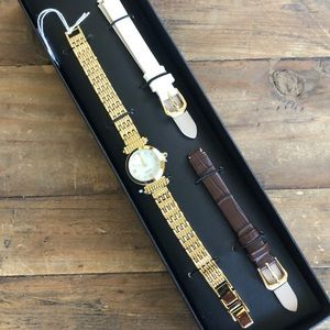 NWT Mother of Pearl Face Watch changeable bands